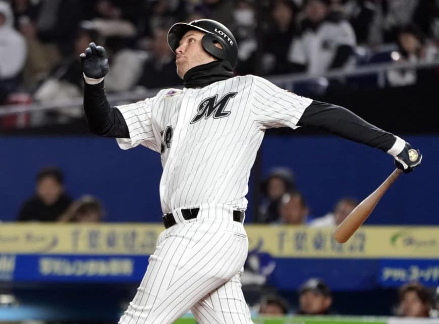 Brandon Laird finished a swing with the Chiba Lotte Marines.