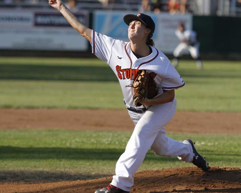 Stacey Piagno on the mound for the Sonoma Stompers.