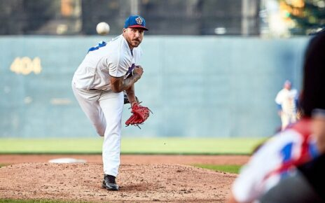 Philippe Aumont throwing a pitch for the Ottawa Champions.
