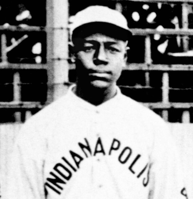 Ben Taylor in a team photo for the 1915 Indianapolis ABCs.