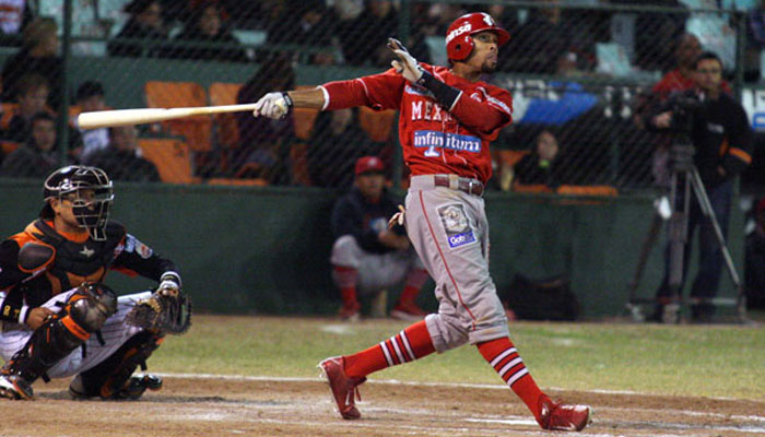 Chris Roberson at-bat for Águilas de Mexicali
