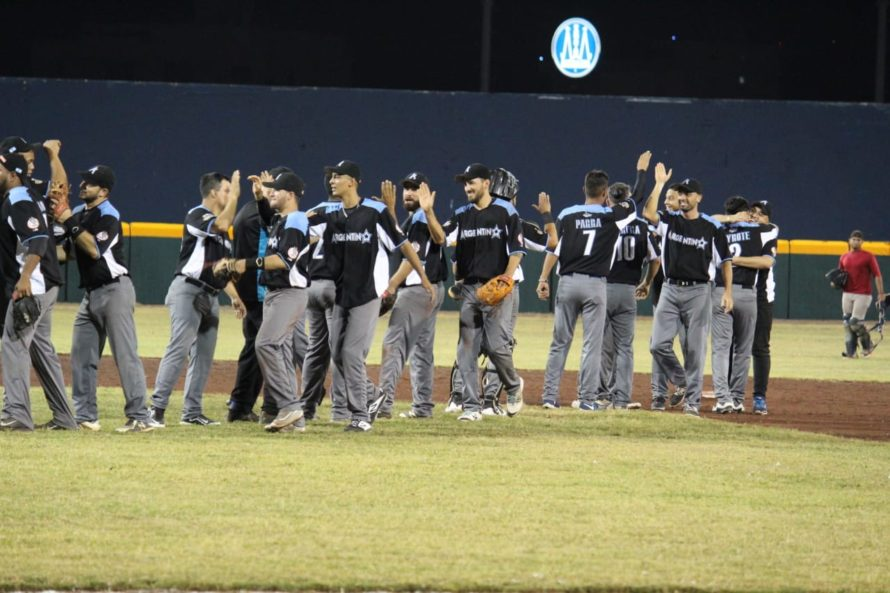 Falcons de Córdoba celebrate after a historic win in the 2019 Serie Latinoamericana